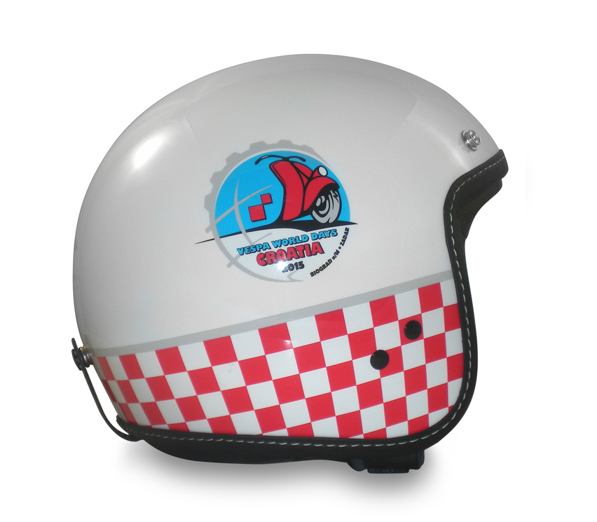 Casc commemoratiu dels Vespa World Days 2015