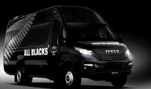 Un dels vehicles dels All Blacks per Europa