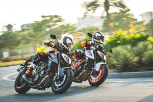 161988_KTM-1290-SUPER-DUKE-R-MY-2017
