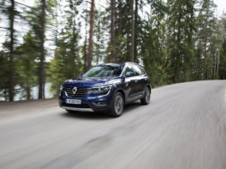 92164_2017_New_Renault_KOLEOS_tests_drive_in_Finland
