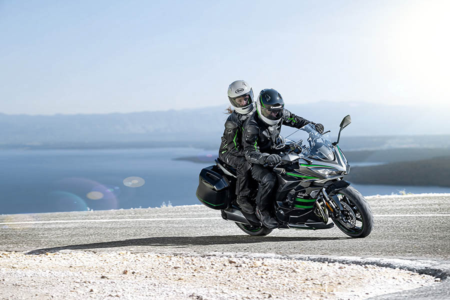 Kawasaki Ninja 1000 SX : Viatgera exprés