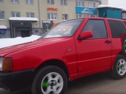 mecanics-russos-cotxe-vell