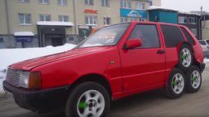 El cotxe vell que uns mecànics russos van tunejar