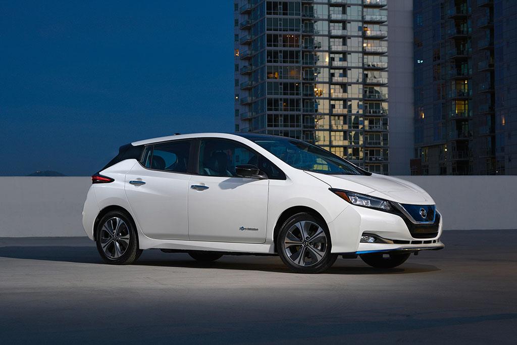 Nissan entrega el vehicle elèctric 7.000, un Nissan LEAF