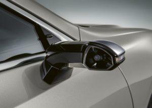 Un dels retrovisors digitals de Lexus