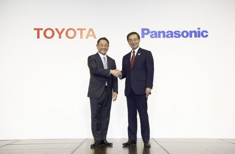 Toyota i Panasonic s'uneixen per crear bateries prismàtiques per a cotxes