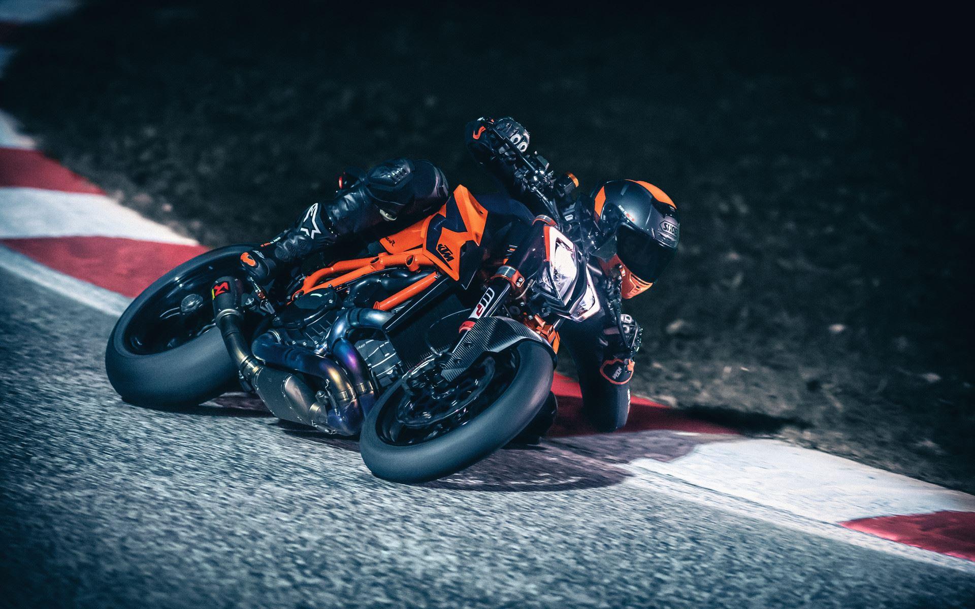 KTM 1290 Super Duke R: Més potent