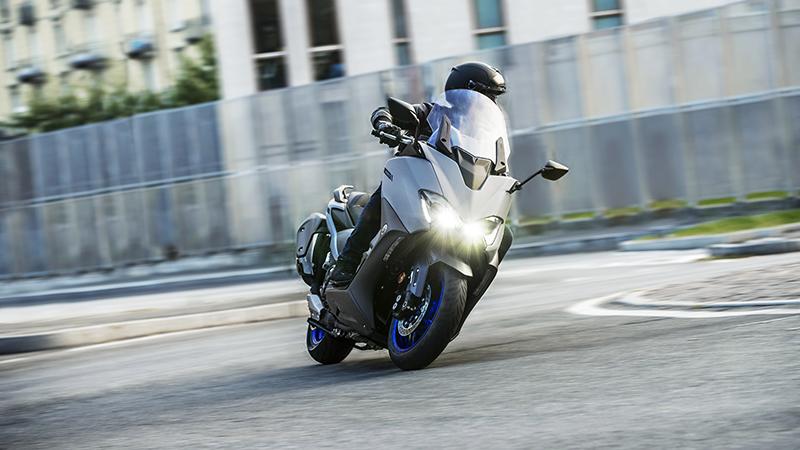 Yamaha TMax: Més esportiu