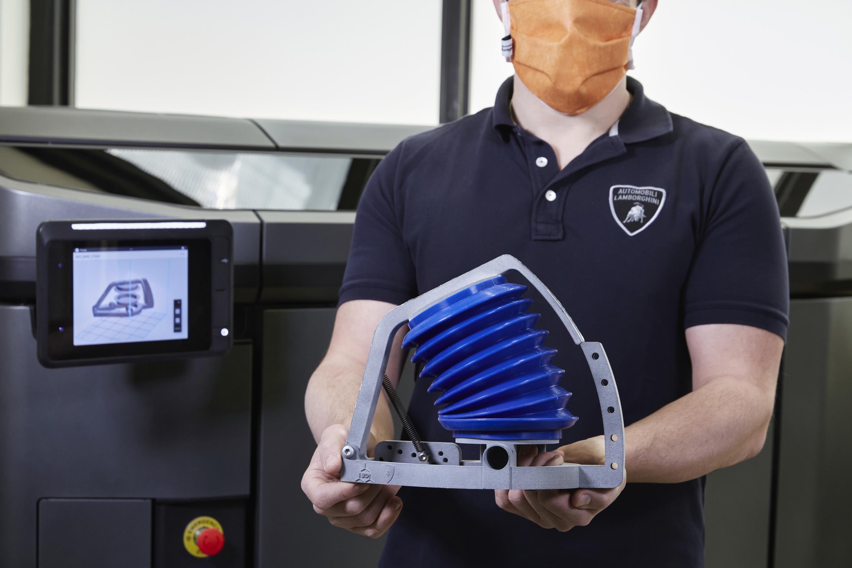 Automobili Lamborghini dóna suport a SIARE en la fabricació de simuladors de respiració