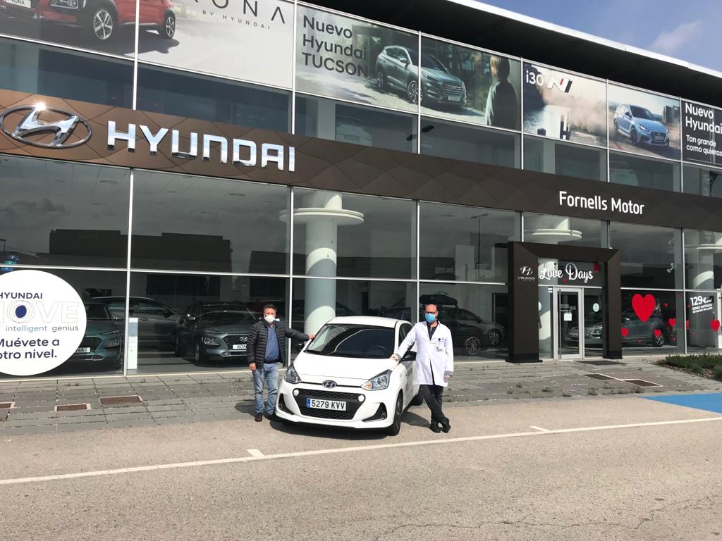 Hyundai Fornells Motor cedeix un vehicle a personal sanitari