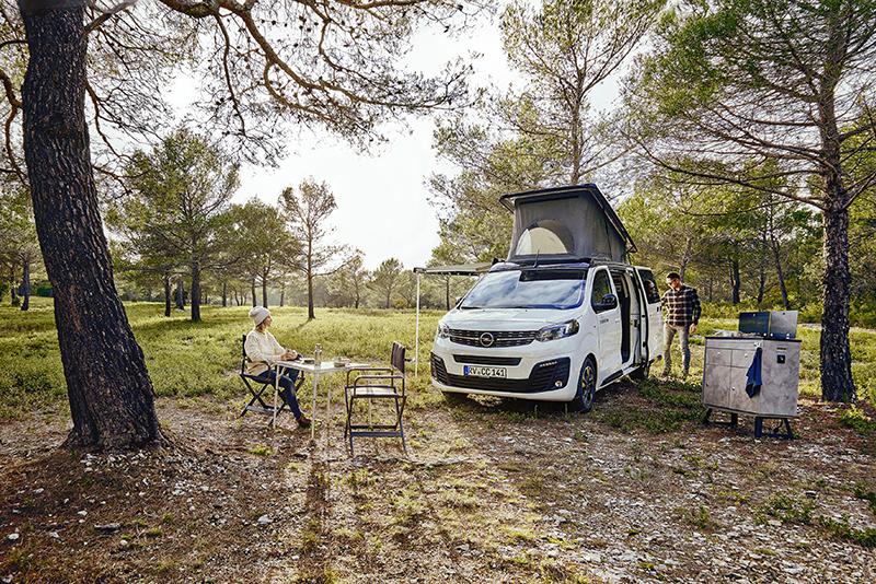 Els especialistes en transformacions Crosscamp converteixen l'Opel Zafira Life en una Camper