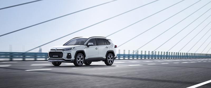 Suzuki presenta el nou ACROSS