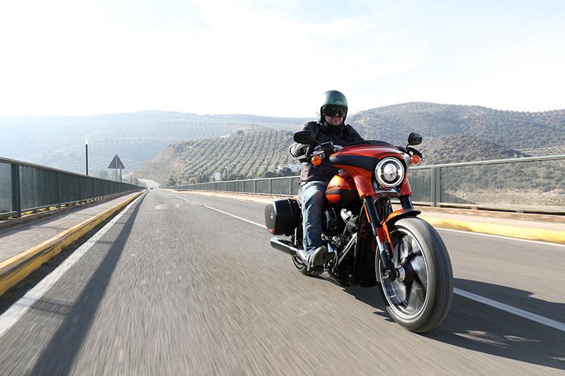 Harley Davidson Sport Glide, sempre jove