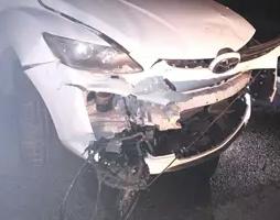 Un conductor ebri xoca contra un cotxe conduït per un jove drogat