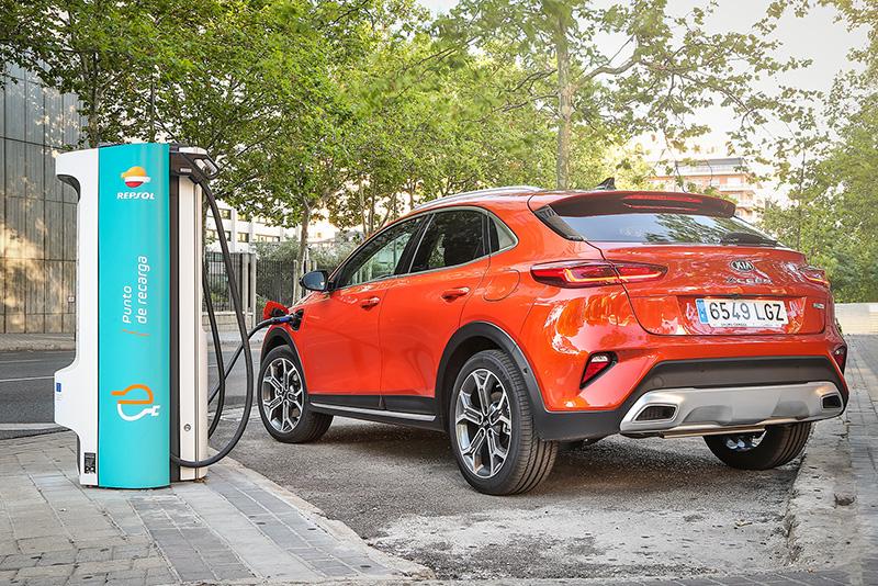 Kia motors introdueix variants híbrides endollables de baixes emissions par l'Xceed i Ceed Tourer