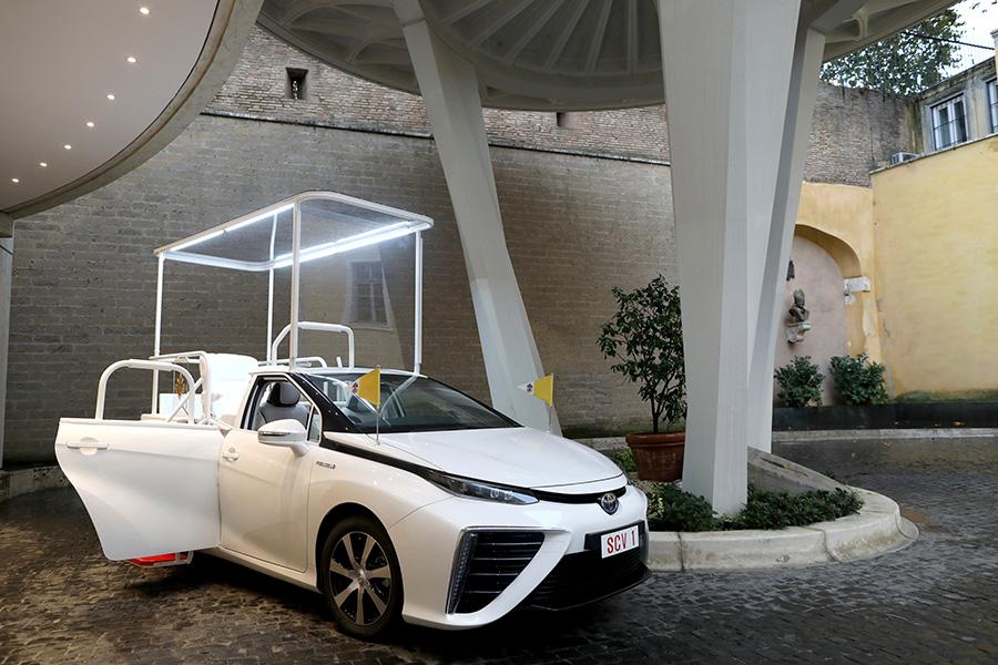 Un Papamòbil de pila de combustible d'hidrogen per al Papa Francisco