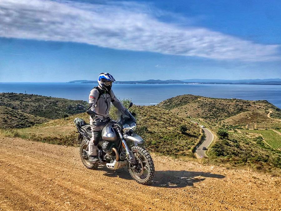 Moto Guzzi V85 TT: Trail seductora