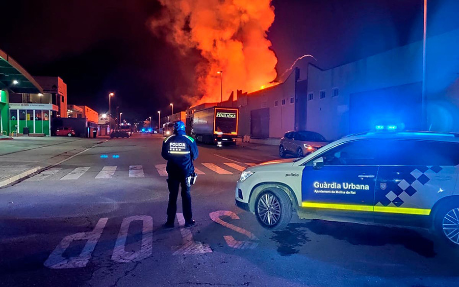 Un incendi crema la fàbrica de motos elèctriques Silence