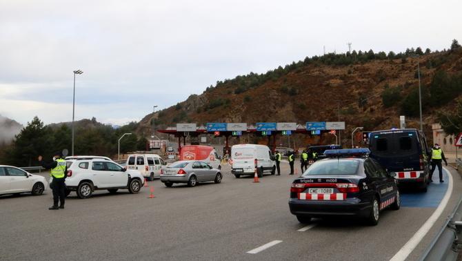 Cinc detinguts per trencar el confinament del Ripollès amb 30 quilos de marihuana