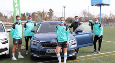 las-jugadoras-y-jugadores-del-rcd-espanyol-ya-conducen-sus-nuevos-vehiculos-koda-2021