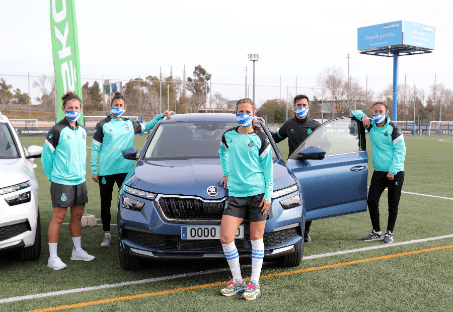 Les jugadores del RCD Espanyol ja disfruten dels seus vehicles Skoda