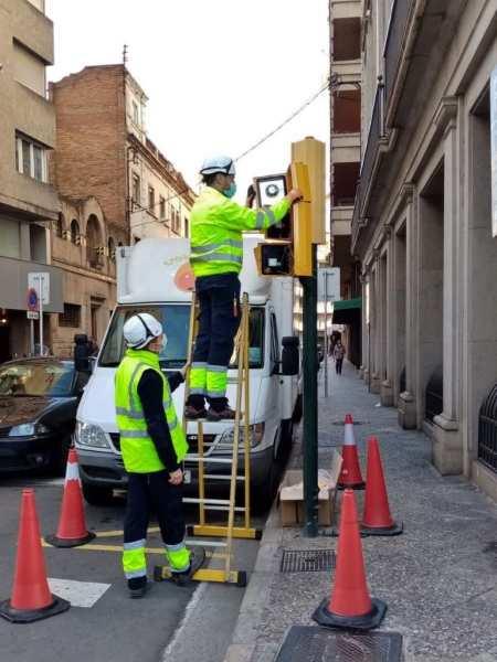 L'Ajuntament de Girona instal·la semàfors acústics per a les persones invidents en sis punts més de la ciutat